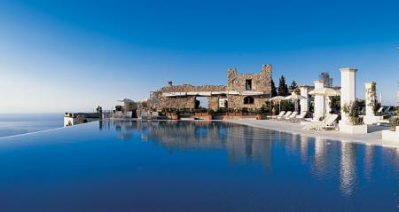 piscina-hotel-caruso.jpg