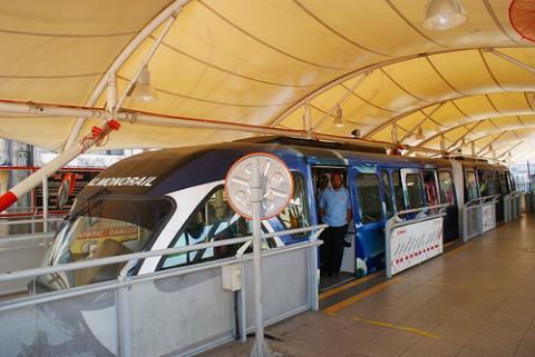 malasia-tren.jpg